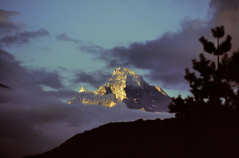 Solo Khumbu - Kumbi Yul Lha (5.761m) - सोलुखुम्बु