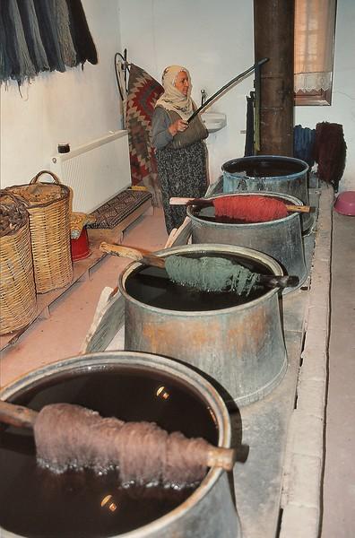 Avanos - Manufacture de tapis - Bassins de teinture de la laine