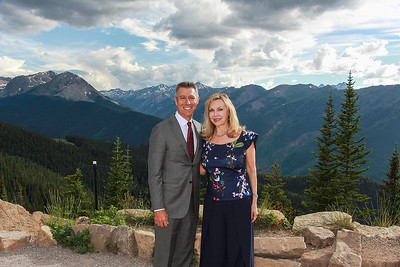 Cocktail Hour with Haley & C J  on Aspen Mountain-Aspen Photo Booth Rental-SocialLightPhoto com-14