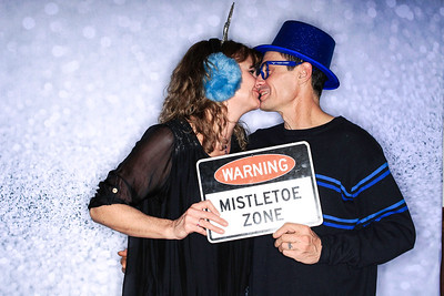 Structural Associates Holiday Party 2019-Aspen Photo Booth Rental-SocialLightPhoto com-40