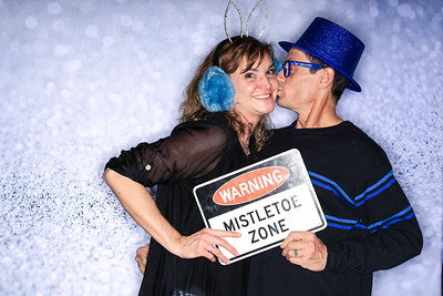 Structural Associates Holiday Party 2019-Aspen Photo Booth Rental-SocialLightPhoto com-41