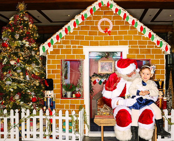 The St  Regis Aspen Gingerbread House Unveiling with Santa Claus 2018-Aspen Photo Booth Rental-SocialLightPhoto com-58