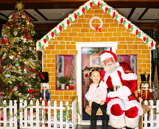The St  Regis Aspen Gingerbread House Unveiling with Santa Claus 2018-Aspen Photo Booth Rental-SocialLightPhoto com-72