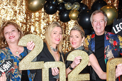 The Roaring Fork Club Celebrates New Years Eve 2020-Aspen Photo Booth Rental-SocialLightPhotobw com-23