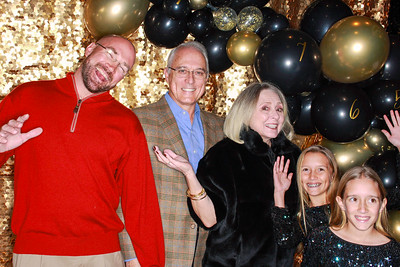 The Roaring Fork Club Celebrates New Years Eve 2020-Aspen Photo Booth Rental-SocialLightPhotobw com-13