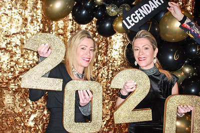 The Roaring Fork Club Celebrates New Years Eve 2020-Aspen Photo Booth Rental-SocialLightPhotobw com-26