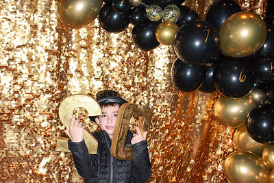 The Roaring Fork Club Celebrates New Years Eve 2020-Aspen Photo Booth Rental-SocialLightPhotobw com-16