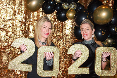 The Roaring Fork Club Celebrates New Years Eve 2020-Aspen Photo Booth Rental-SocialLightPhotobw com-24