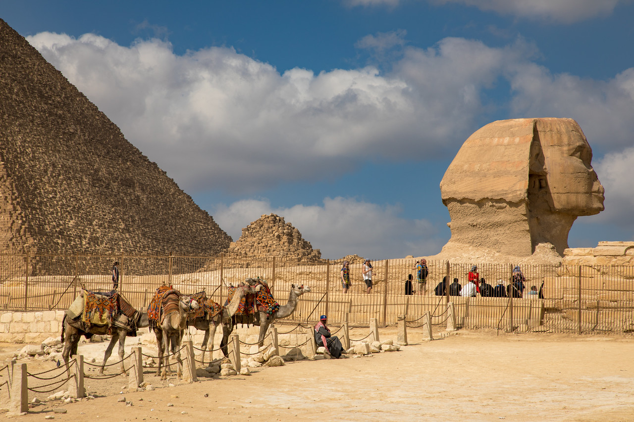 Photo showing how The Great Sphinx of Giza is Very Near The Pyramids