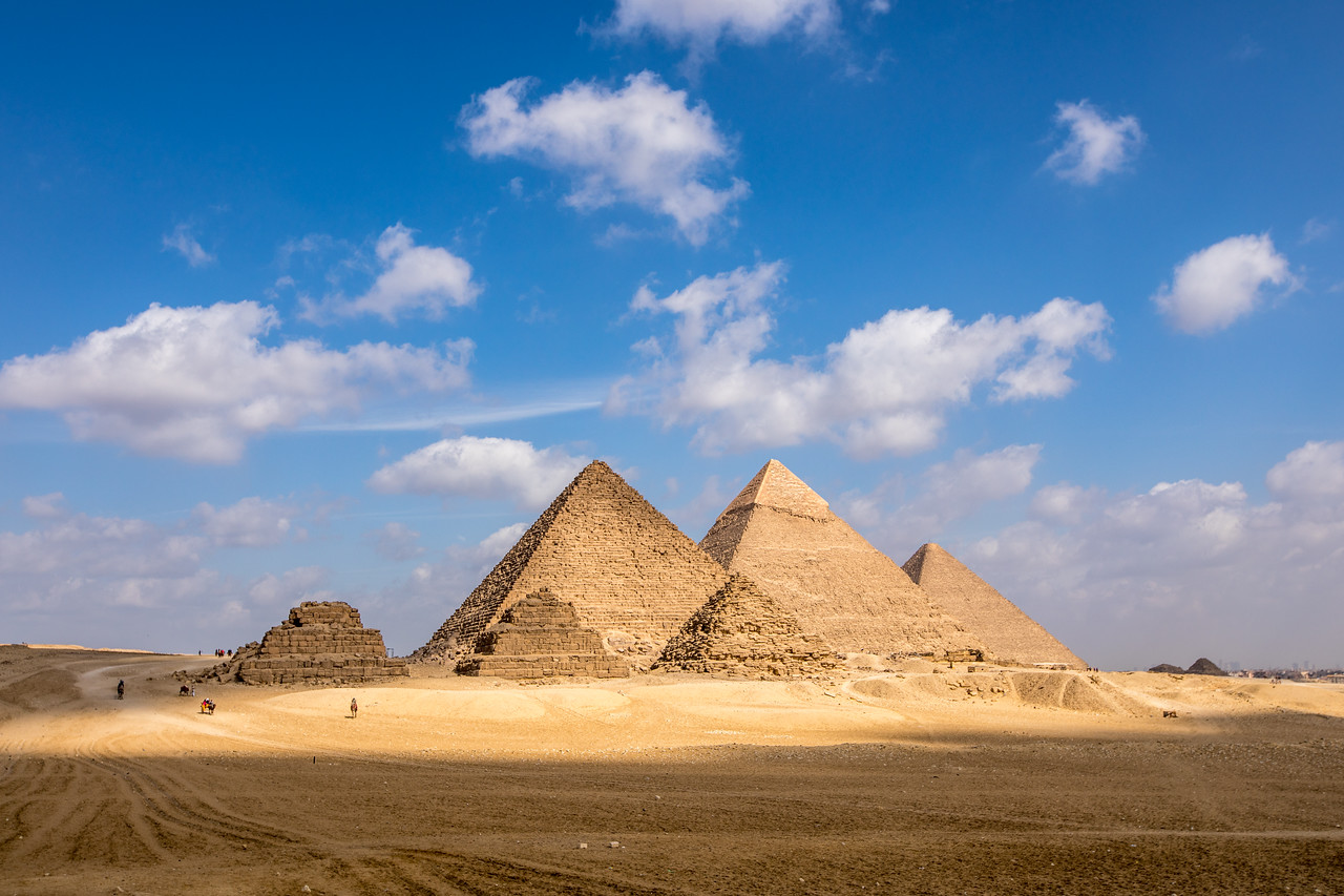 Picture of 3 Pyramids of Giza