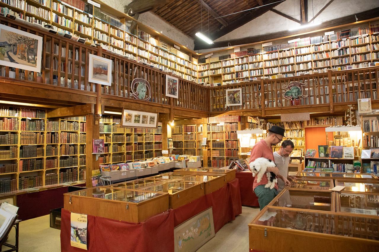 Le Trouve Tout du Livre Bookshop on the Canal du Midi in Le Somail, France
