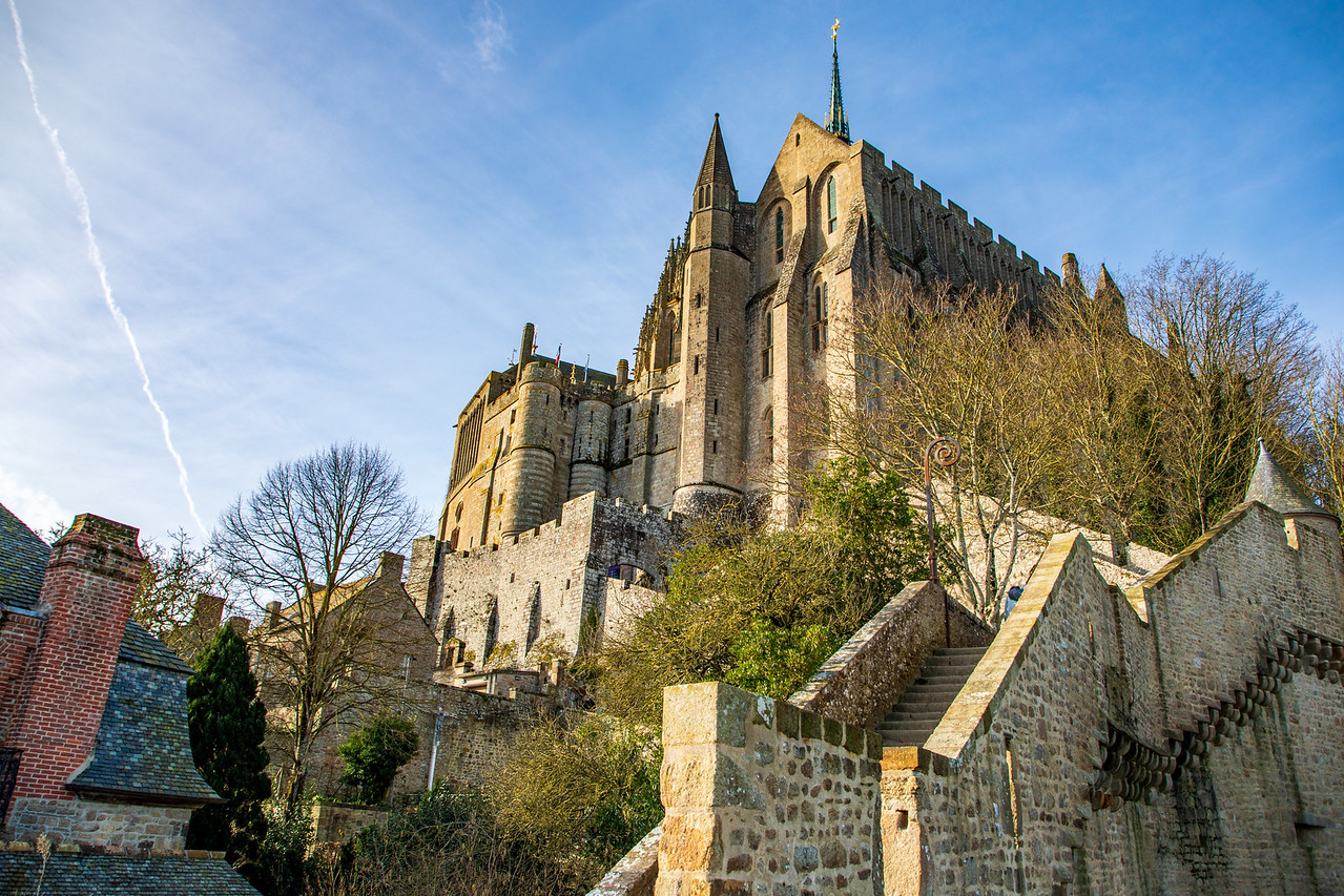 Picture of the Abbey of le Mont Saint Michel from Below