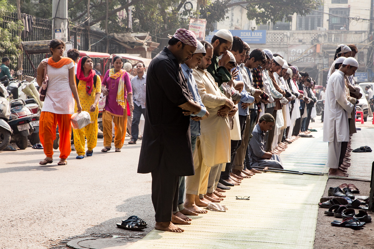 Picture of Call to Prayer outside of India's largest mosque, Jama Masjid