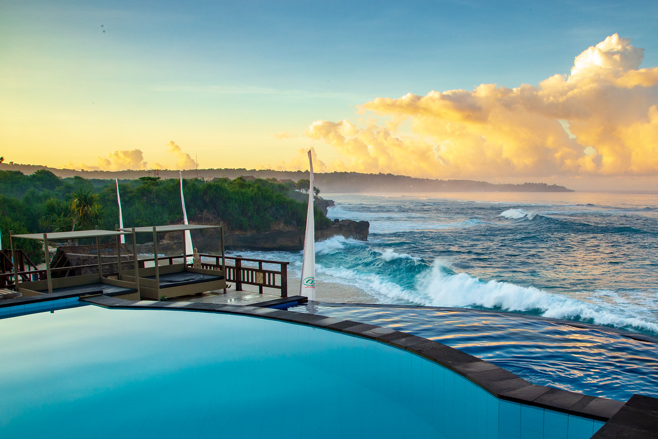 View from the Infinity Pool at Dream Beach Huts on Nusa Lembongan Island