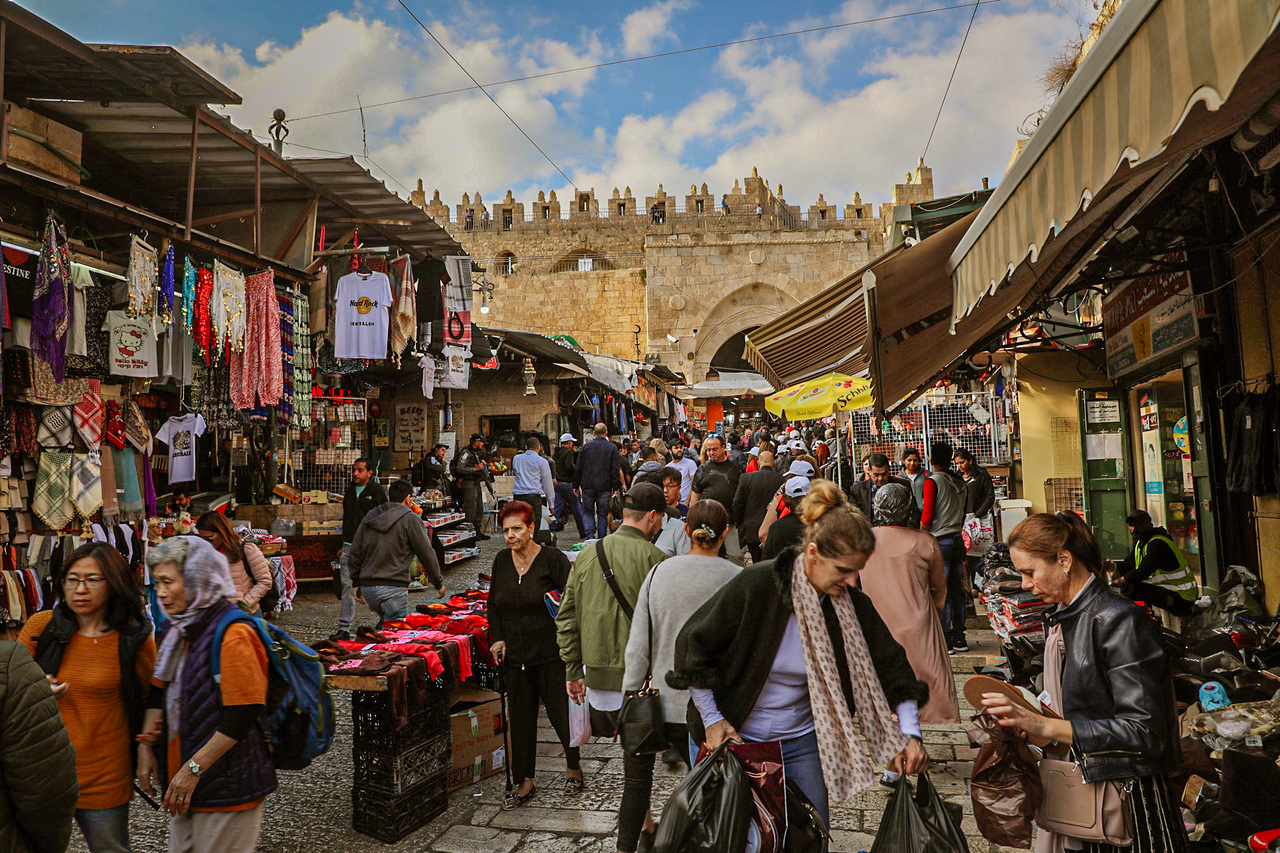 Walking the Streets of Jerusalem Old City