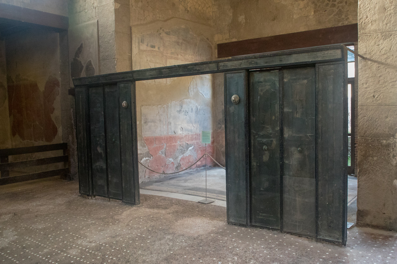 Visiting Herculaneum Images