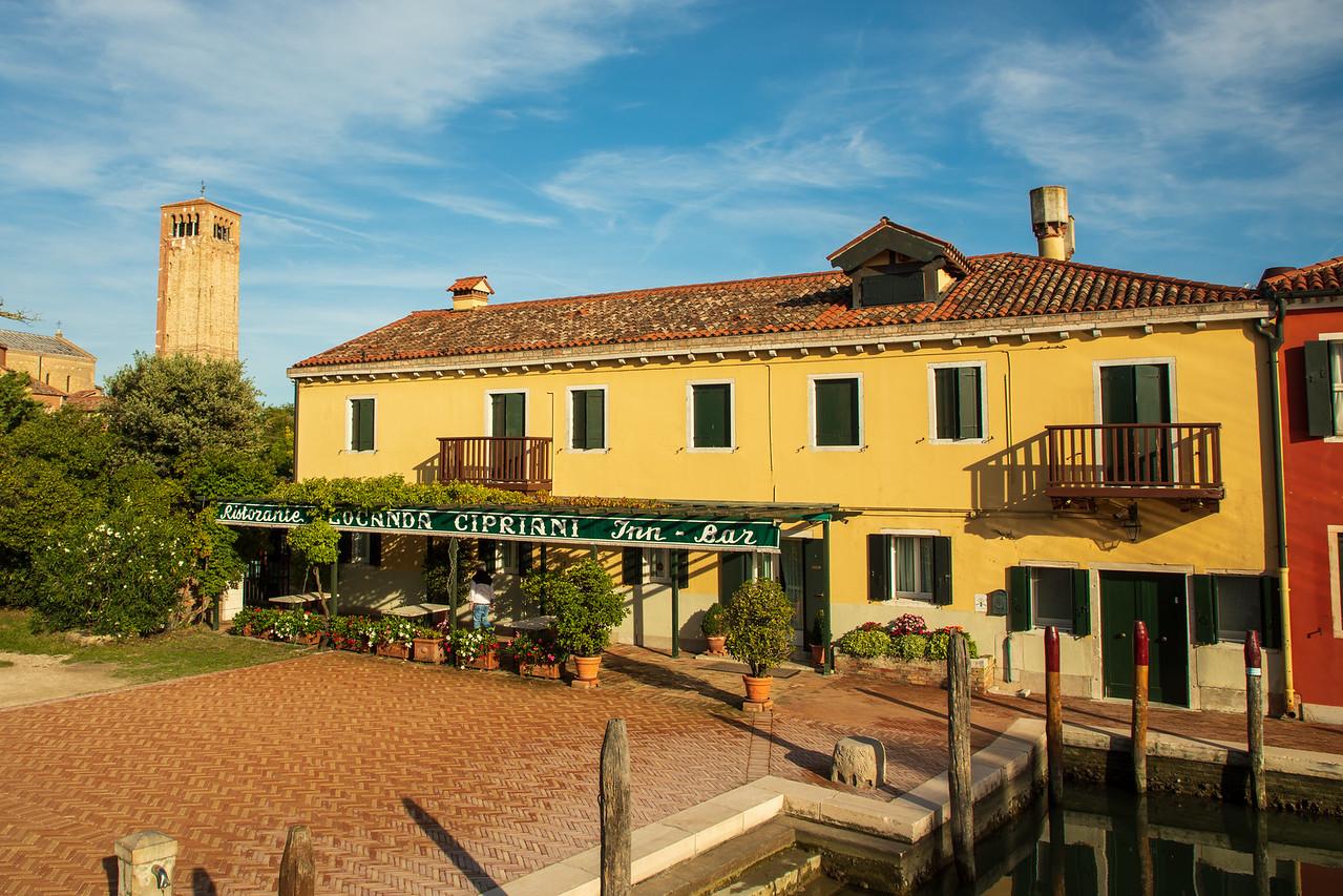 Именно здесь Эрнест Хемингуэй написал часть своего романа «Через реку и сквозь деревья». Венецианские острова за один день Венецианские острова за один день BL2A0559 X2
