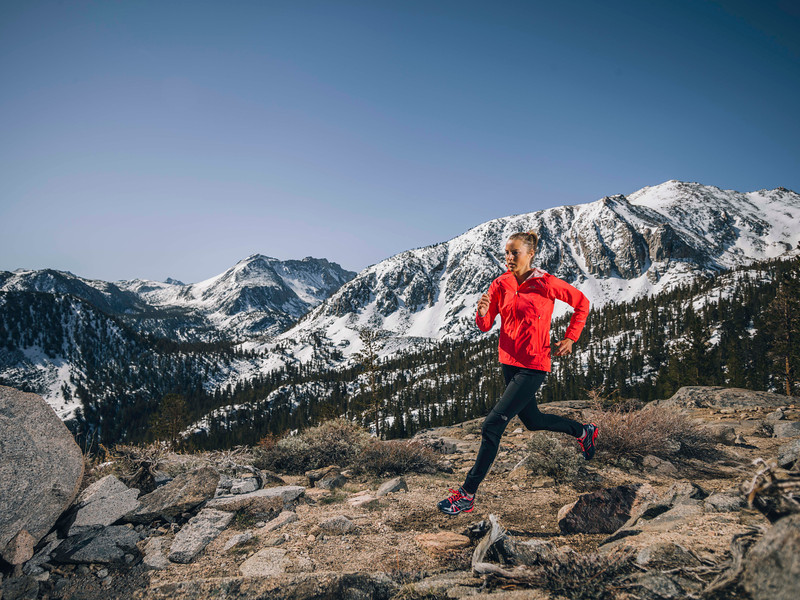 Stephanie Howe. Sierra Nevada, CA. Photographer: Tim Kemple. The North Face Rights Expire: 05_15_16