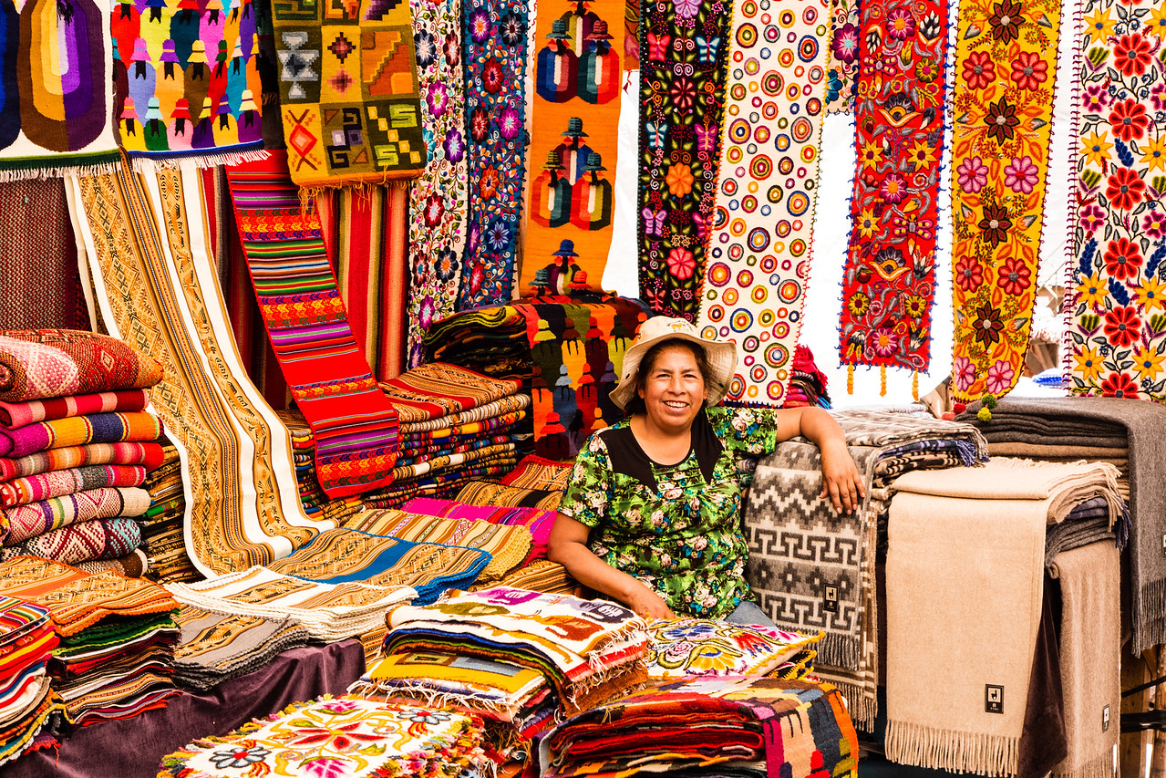 Photo: Textile Market in Pisac, Peru