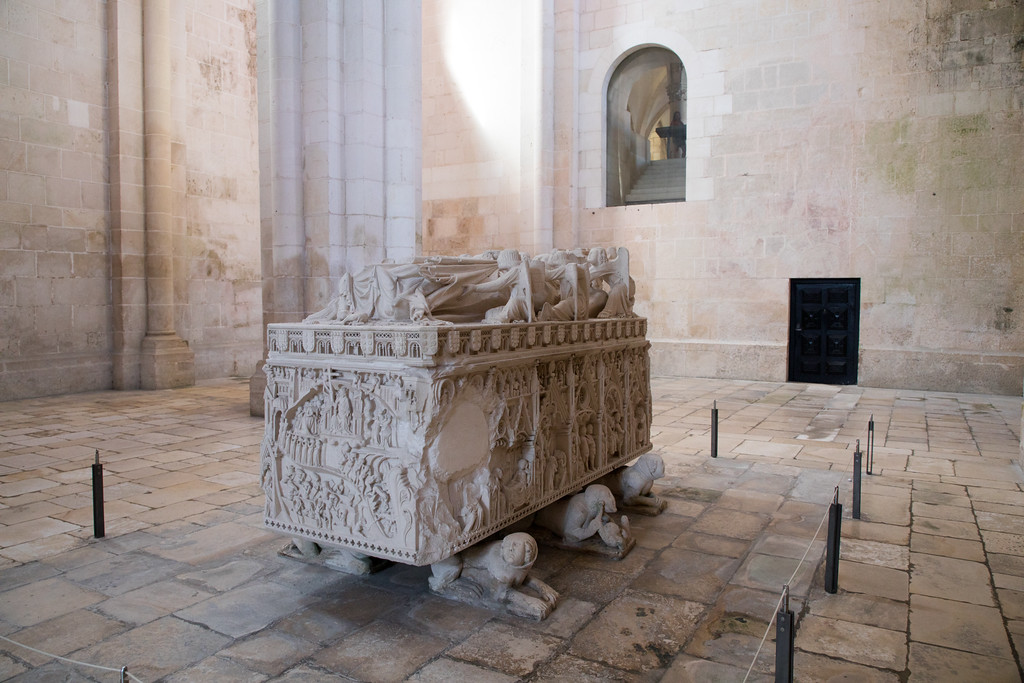 Portugal Day Trip: Alcobaça, a (very dark) Love Story