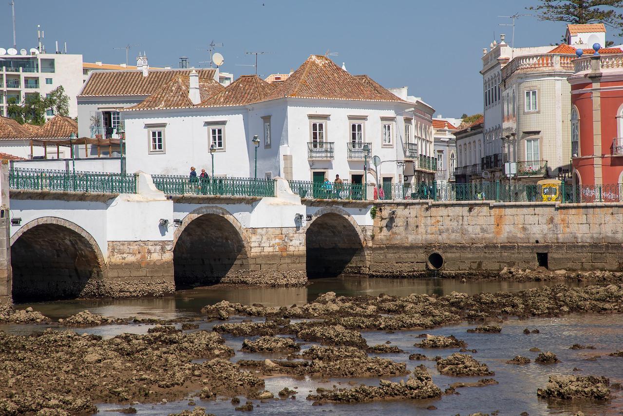 Image Roman Bridge Across The River Gilão in Tavira, Portugal