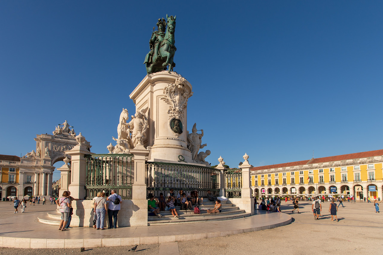 No Trip To Lisbon Would Be Complete Without Seeing Praca do Comercio
