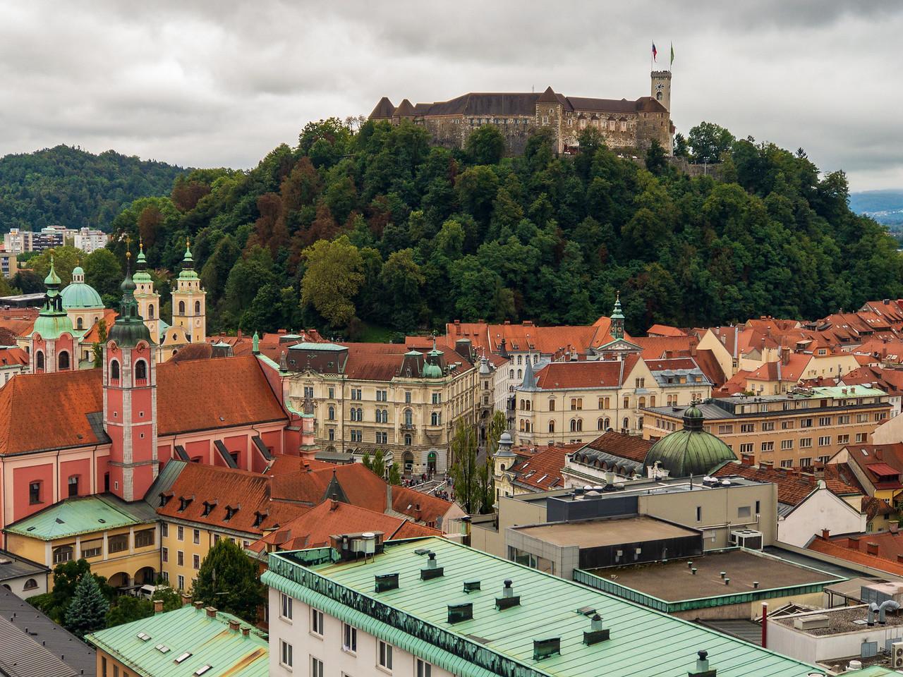 Вид Люблянского замка с вершины небоскреба (Неботичник) Чем заняться в Любляне, Словения Чем заняться в Любляне, Словения IMG 6260 X2