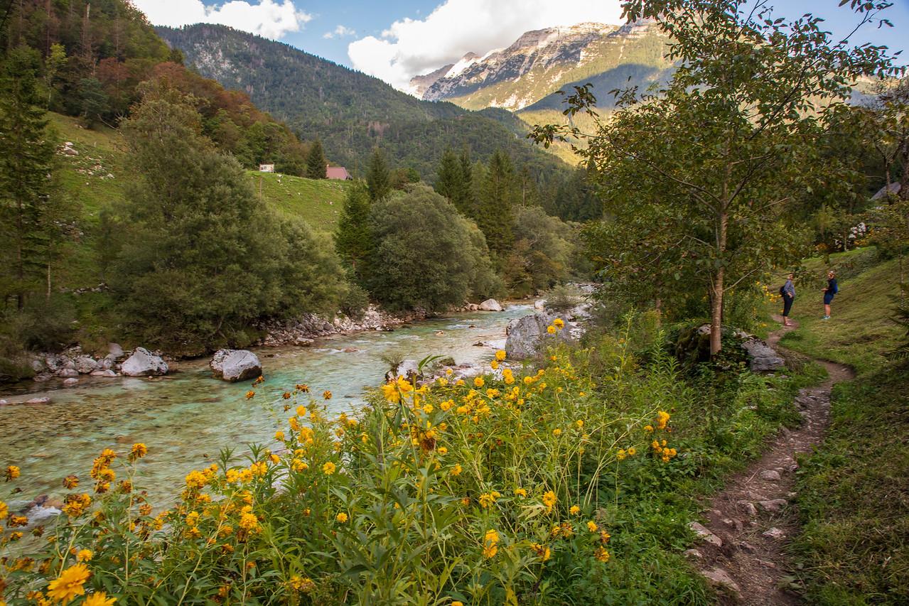 Поход по Юлийским Альпам - отличная вещь для Словении Чем заняться в Словении Чем заняться в Словении BL2A0081 X2