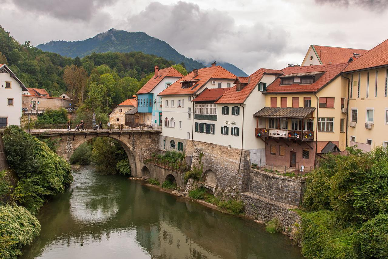 Средневековый город Скофья Лока, Словения Чем заняться в Словении Чем заняться в Словении BL2A0273 X2