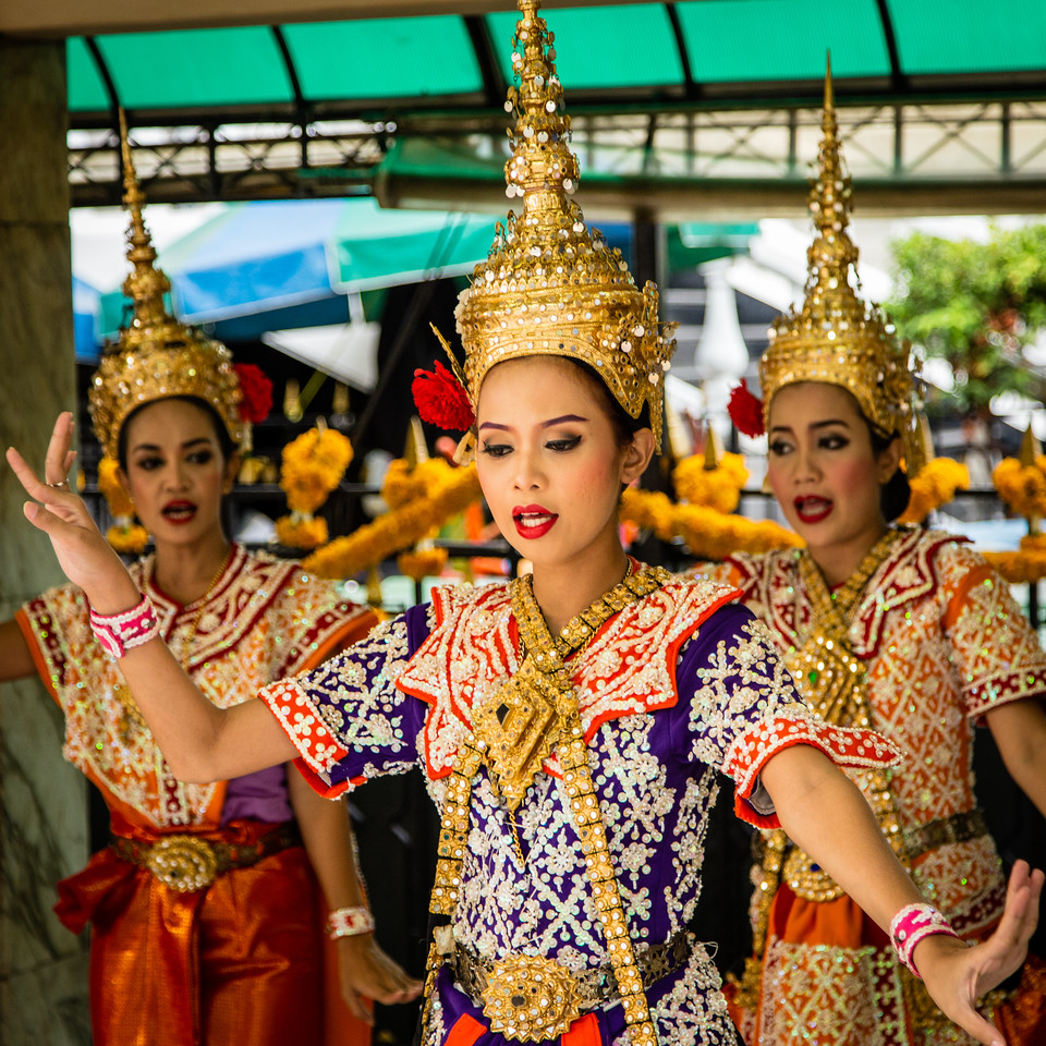 Tradition Thai Dancers at Thao Maha Brama
