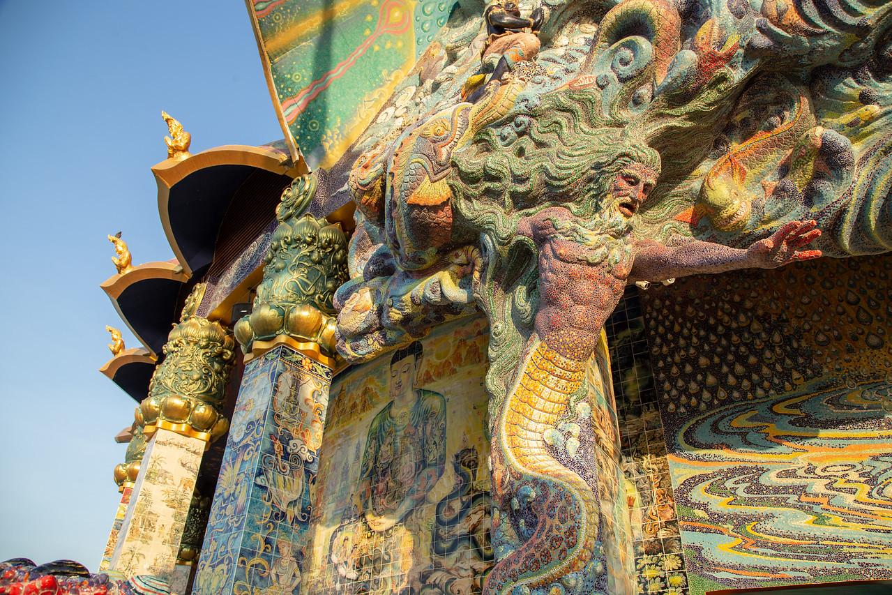 Detail of Ceramic Mosaic on Wat Ban Rai (Click for More Detail)