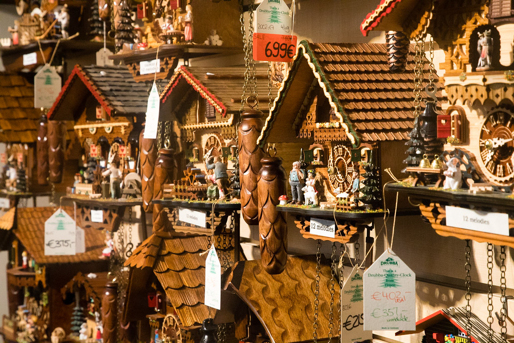 Cuckoo Clocks for sale (Note: this will NOT look good in our home in Portugal)