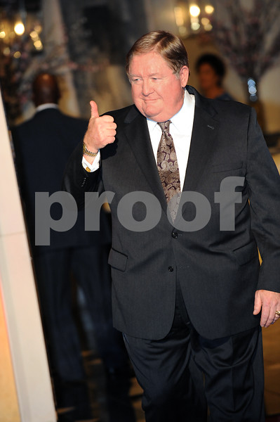 PWR ATTY 2013<br /> JUDAGE DAVID EVANS GIVES A THUMBS UP AS HE ENTERS THE BALLROOM.