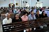 Aliprandi's a gauche, les parents de la jeune mariée ,au centre, et les Plaster, a droite, dans l'eglise, Espiritu Santo, Bresil, Mai 18, 2012.  (Austral Foto/Renzo Gostoli)