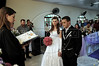 Elton Plaster et la jeune mariée Silvana dans l'eglise, Espiritu Santo, Bresil, Mai 19, 2012.  (Austral Foto/Renzo Gostoli)