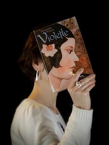 """Atelier """"bookface"""" par Light eX Machina durant les bibliofolies de la médiathèque Elsa- Triolet à Villejuif. 28/11/2015"""