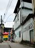 CLARIN 12- CON NOTA DE ELEONORA GOSMAN - Aspecto de una calle en la favela Vigario Geral, Rio de Janeiro, Brasil,  Octubre 30, 2009.  (Austral Foto/Renzo Gostoli)