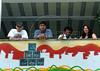 """CLARIN 10- CON NOTA DE ELEONORA GOSMAN - """"JB"""", 2o. de izquierda, coordinador de Afroreggae, con profesores y coordinadores en la sede de Afroreggae en barrio Grota, Complexo do Alemao, Rio de Janeiro, Brasil,  Octubre 30, 2009.  (Austral Foto/Renzo Gostoli)"""