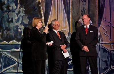 GSA of Greater Atlanta CEO Marilyn Midyette thanks the evening's hosts