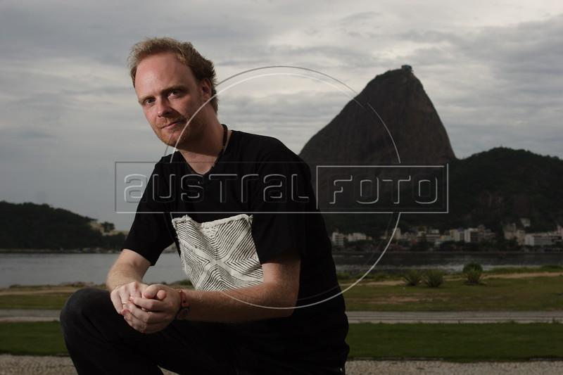 Swedish Journalist Henrik Jonsson in Rio de Janeiro, Dec. 19, 2007. (Australfoto/Douglas Engle)