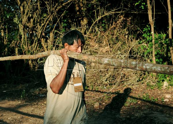 RIO+20-ALDEIA Kari-Oca - Indios constroem oca na Colonia Juliano Moreira, Jacarepagua, Rio de Janeiro, Brasil, Maio 29, 2012. (Austral Foto/Renzo Gostoli) .<br /> <br /> Brazilian indigenous build the Kari-Oca, a indian village outside Rio de Janeiro to participate at Rio+20 Conference, Rio de Janeiro, Brazil, May 29, 2012. (Austral Foto/Renzo Gostoli)