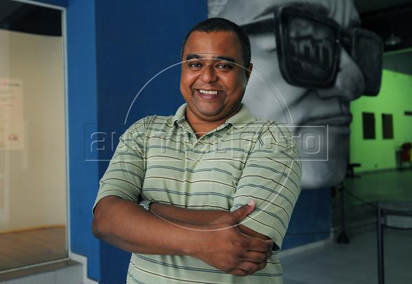 FLUPP - Marcus Cruz, participante do FLUPP no Centro Cultural Cartola, Mangueira, Rio de Janeiro, Brasil, Junho 30, 2012.  (Austral Foto/Renzo Gostoli)