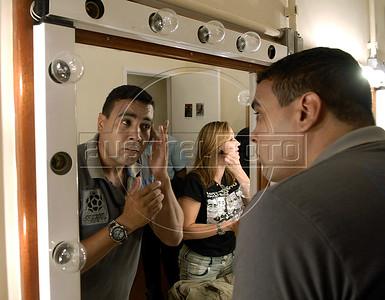 """TEATRO PM:  """"O preço de uma escolha"""" - SD SARMEIRO, ator, se preparando antes de comecar a funcao, Rio de Janeiro, Brasil, Novembro 15, 2011.  (Austral Foto/Renzo Gostoli)"""