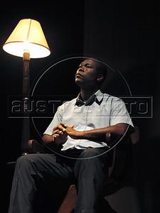 """TEATRO PM:  """"O preço de uma escolha"""" - Cena da peca; SGT Cláudio César Oliveira da Costa, Rio de Janeiro, Brasil, Novembro 15, 2011.  (Austral Foto/Renzo Gostoli)"""