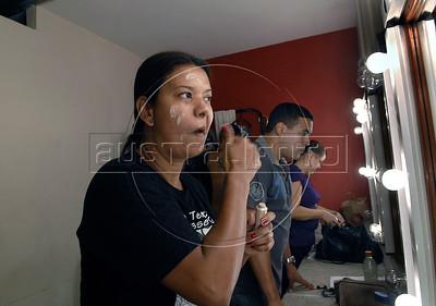 """TEATRO PM:  """"O preço de uma escolha"""" -SGT KÁTIA  , atriz, se preparando antes de comecar a funcao, Rio de Janeiro, Brasil, Novembro 15, 2011.  (Austral Foto/Renzo Gostoli)"""