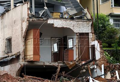 Casas destruidas pelas inundacoes no centro de Nova Friburgo, Rio de Janeiro,Brazil, Janeiro 15, 2011.    (Austral Foto/Renzo Gostoli)
