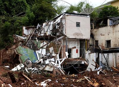 Casas e veiculos destruidos pelas inundacoes no centro de Nova Friburgo, Rio de Janeiro,Brazil, Janeiro 15, 2011.   (Austral Foto/Renzo Gostoli)