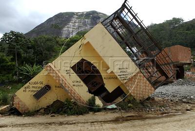 NOVA FRIBURGO UM ANO DEPOIS - Aspecto atual de casas de Nova Friburgo danificadas pelos deslicamentos e chuvas de 2011, Rio de Janeiro, Brazil, Janeiro 26, 2012. (Austral Foto/Renzo Gostoli)