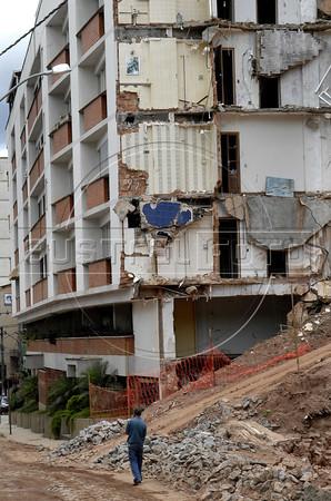 NOVA FRIBURGO UM ANO DEPOIS - Aspecto atual de uma das ruas do centro de Nova Friburgo mais danificadas pelos deslicamentos e chuvas de 2011, Rio de Janeiro, Brazil, Janeiro 26, 2012. (Austral Foto/Renzo Gostoli)
