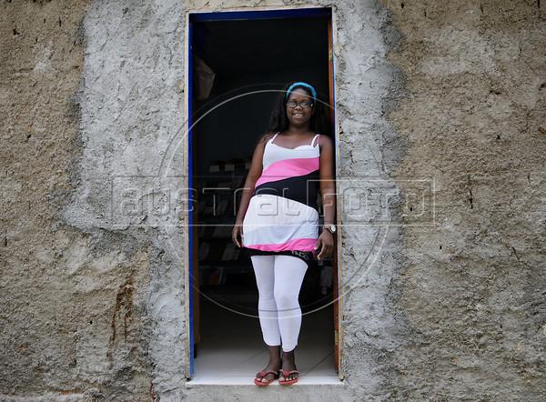 PROJETO MORRINHO -   Kelly, presidente da Associacao de moradores da comunidade 'Pereirao',  Rio de Janeiro, Brasil, Abril 10, 2012.  (Austral Foto/Renzo Gostoli)